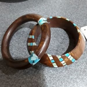 NWOT NOONDAY COLLECTION WOODEN BANGLES, SET OF 2